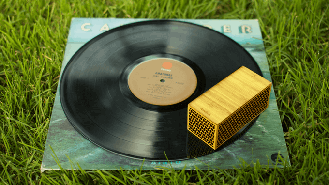 IS THIS THE WORLD'S MOST PORTABLE RECORD PLAYER?