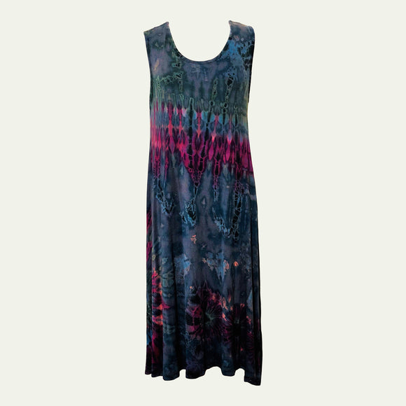 D2 - Long, sleeveless dress