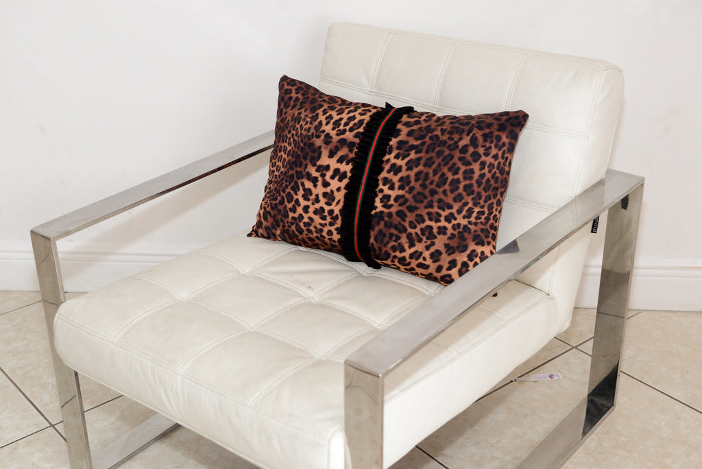 High Quality Pillows Covered With Silk Scarf Fabric