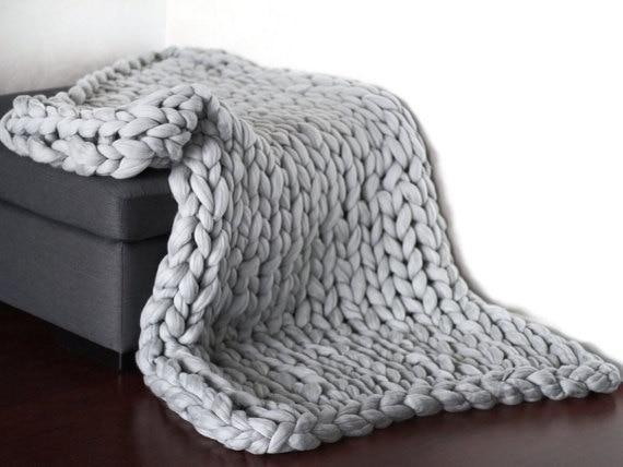 Glow Allure C / 100X120CM Chunky Knitted Blanket