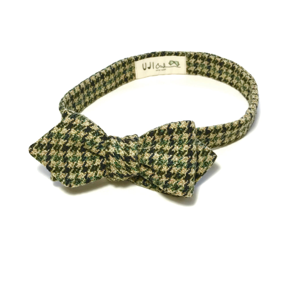 The  Camouhounds Bow Tie