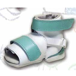 Foot deformity shoe - For the treatment of babies suffering from the BEBAX metatarsus