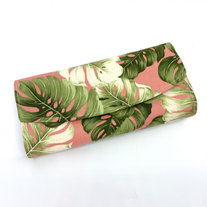 Handsewn Red/Green Packet Organiser - Wild Leaves (Peach)