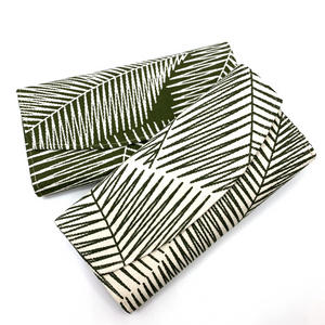 Handsewn Red/Green Packet Organiser - Leafy Green (Green)