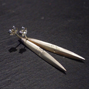 Atelier Hifumi - Pierced earrings long gold leaf