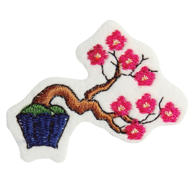 Embroidery patch ''Red plum blossom''