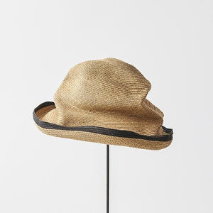 BOXED HAT for women / 11cm brim switch color line edge