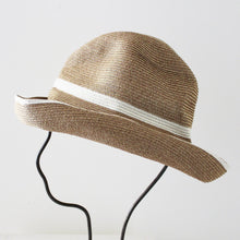 BOXED HAT for women / 11cm brim switch color line