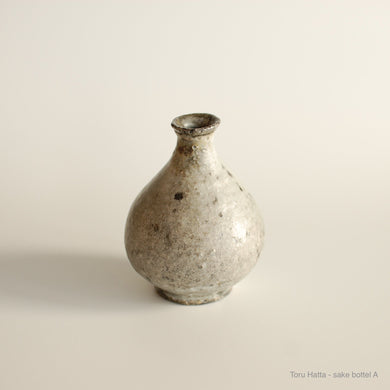 Toru Hatta, Wood fired kiln, Japanese ceramic, Japanese pottery, Ceramic, Sake bottle, Utsuwa