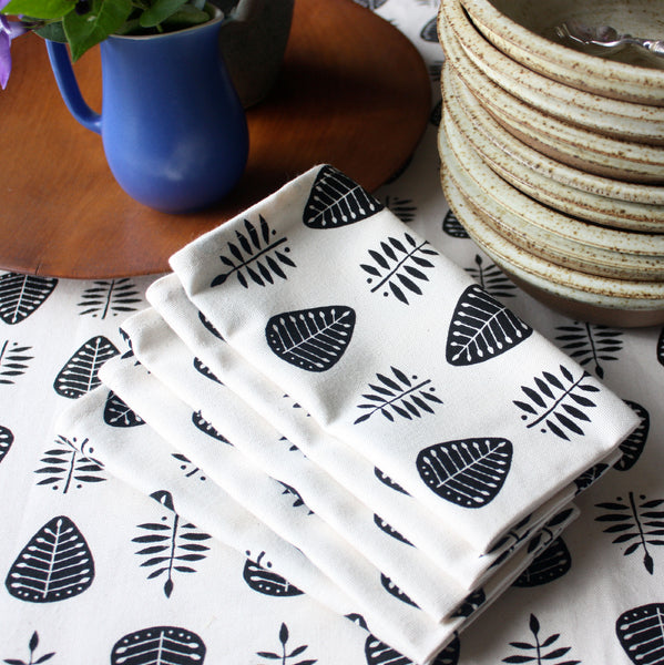 Napkins ~ set of 4 ~ leaf pattern