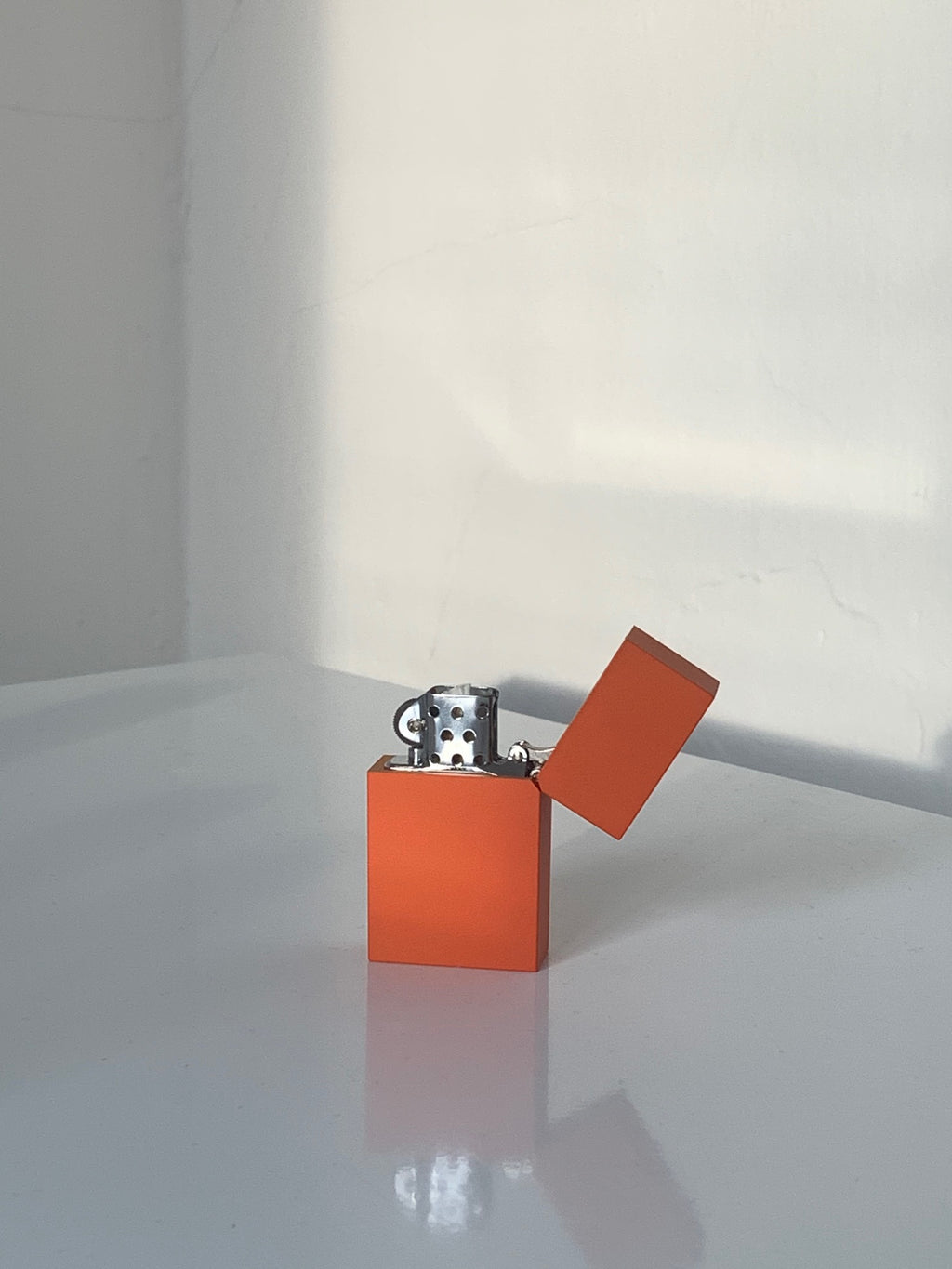 Hard Edge Lighter by Tsubota Pearl (Orange)