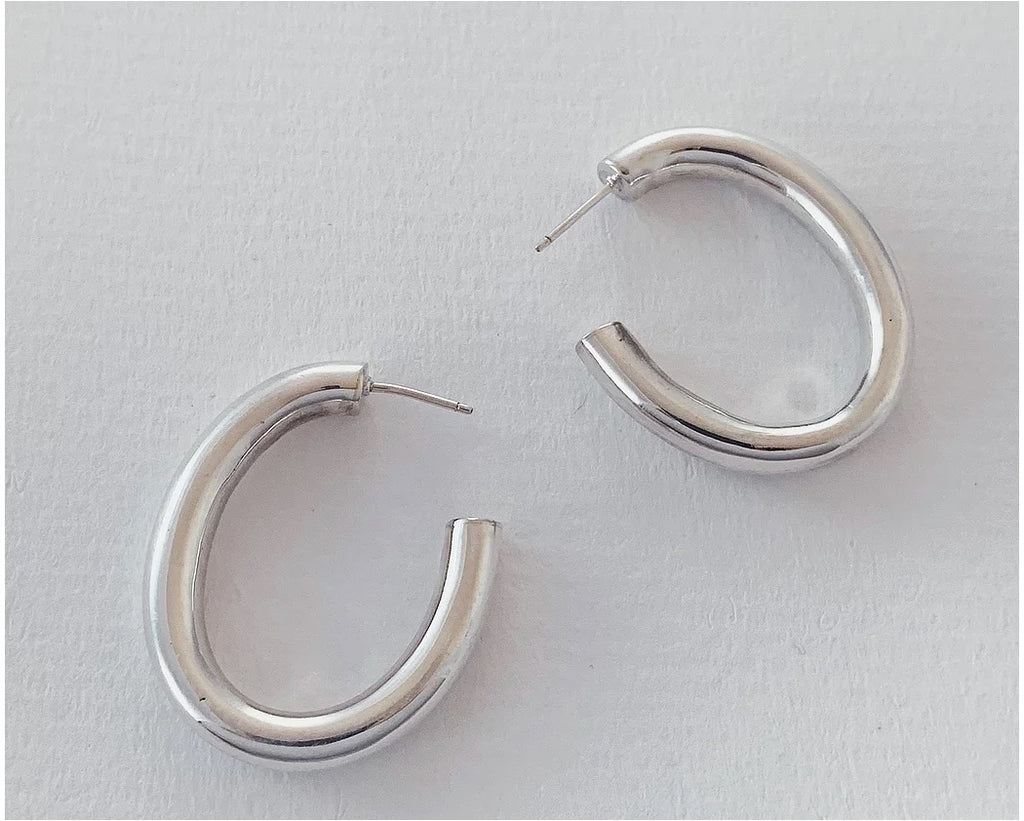The Oval Hoop in Silver
