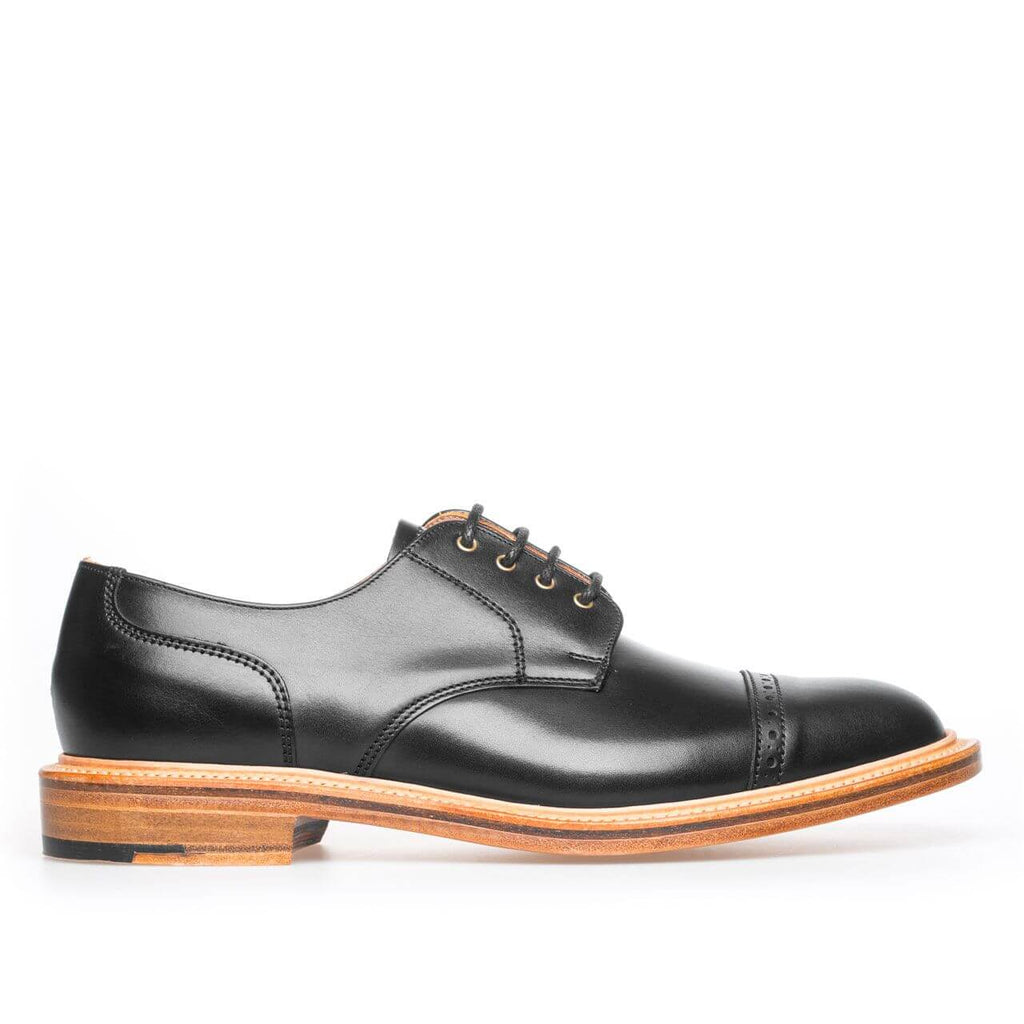 Black Straight Cap Plain Quarter Gibson Shoe