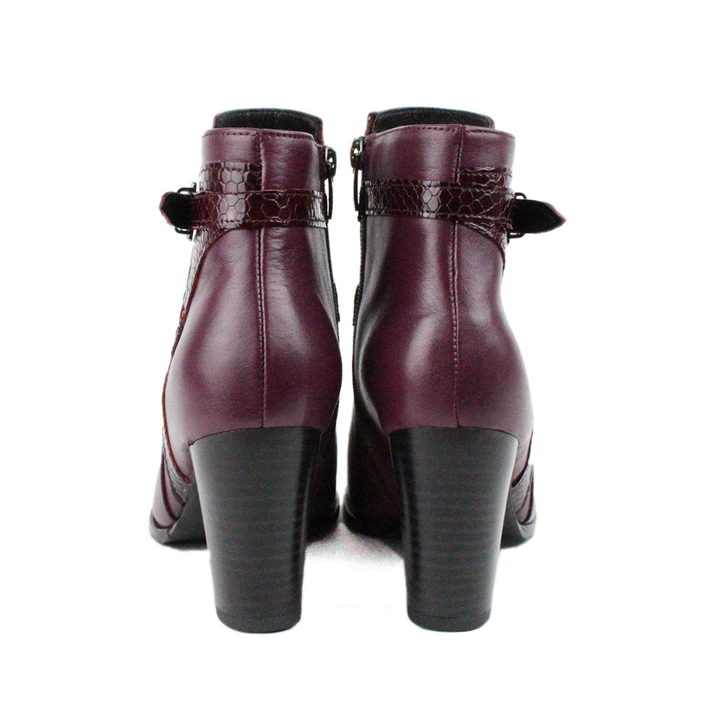 Red Women Leather Boots - 9.083.10