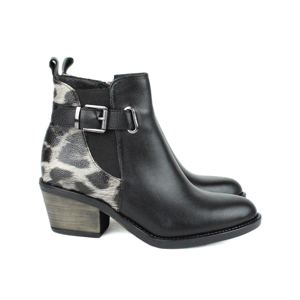 Black Women Leather Boots - 9.026.17