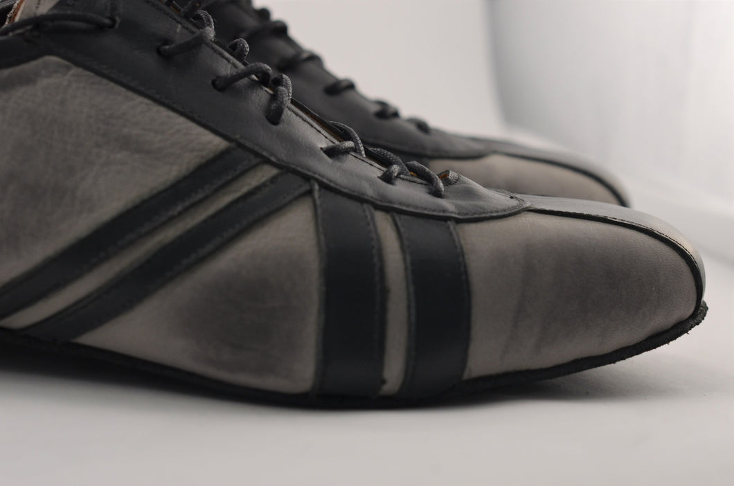 gray man tango shoes. gray men tango shoes. low heel dance shoes.sneaker dance shoes. sneaker tango shoes.Gray dance sheos, gray tango shoes. gray and black tango shoes.Men Dance Shoes. Men Tango Shoes. Handmade Tango Shoes. Argentine Tango Sneakers. Romeo Tango