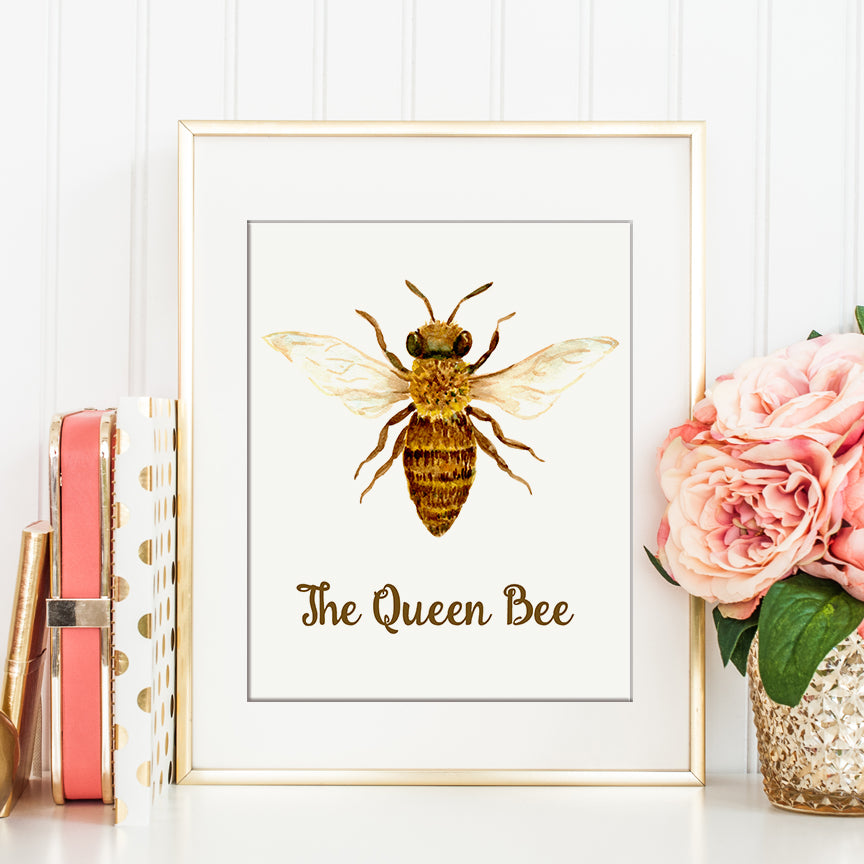 watercolor illustration of a queen bee, detailed graphics, instant download