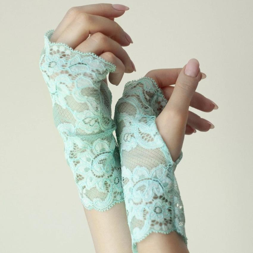 Cotton | Chanty Lace Gloves | Sublime Flowers | Atoll | One Size