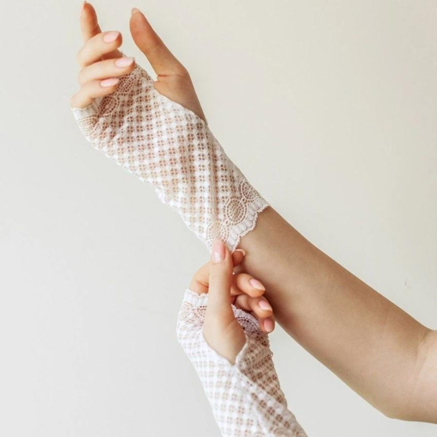 Recycled | Chanty Lace Gloves | Symmetric Lovers | White | One Size