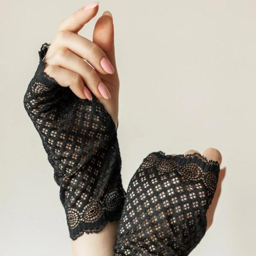 Recycled | Chanty Lace Gloves | Symmetric Lovers | Black | One Size