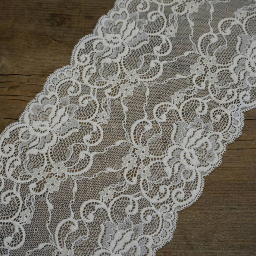 Width 16-18 cm, TYPE : Elastic, Spitze, COLOR : White / Weiß