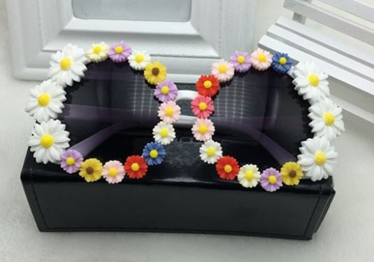 FLOWER POWER FESTIVAL MULTI-COLOR DAISY EMBELLISHED SUNGLASSES