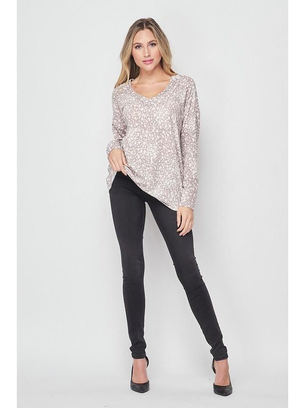 THE CHERYL ANIMAL PRINT V NECK TOP