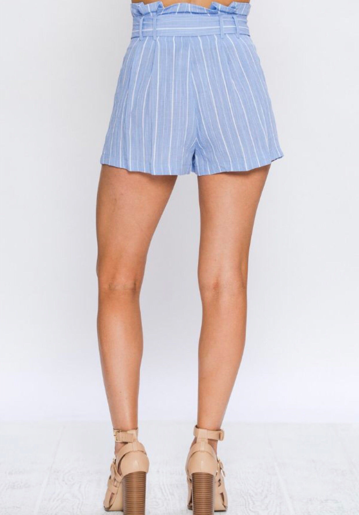 HIGH WAISTED TIE LINEN SHORTS
