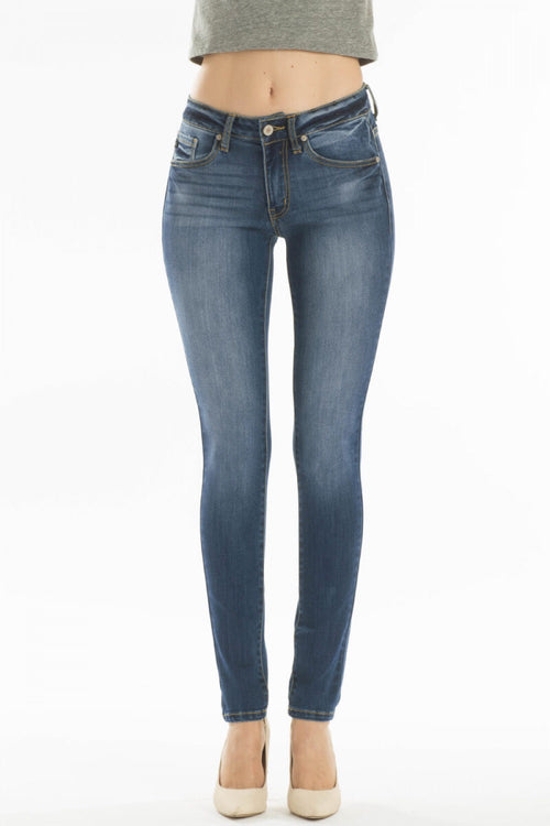 THE MICHELLE MEDIUM WASH BASIC DENIM