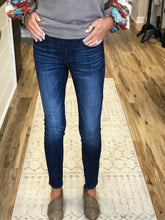 Load image into Gallery viewer, THE JESS DARK BASIC SKINNY DENIM