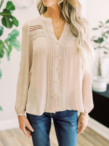 THE HADLEY LACE INSET BUTTON DOWN TOP