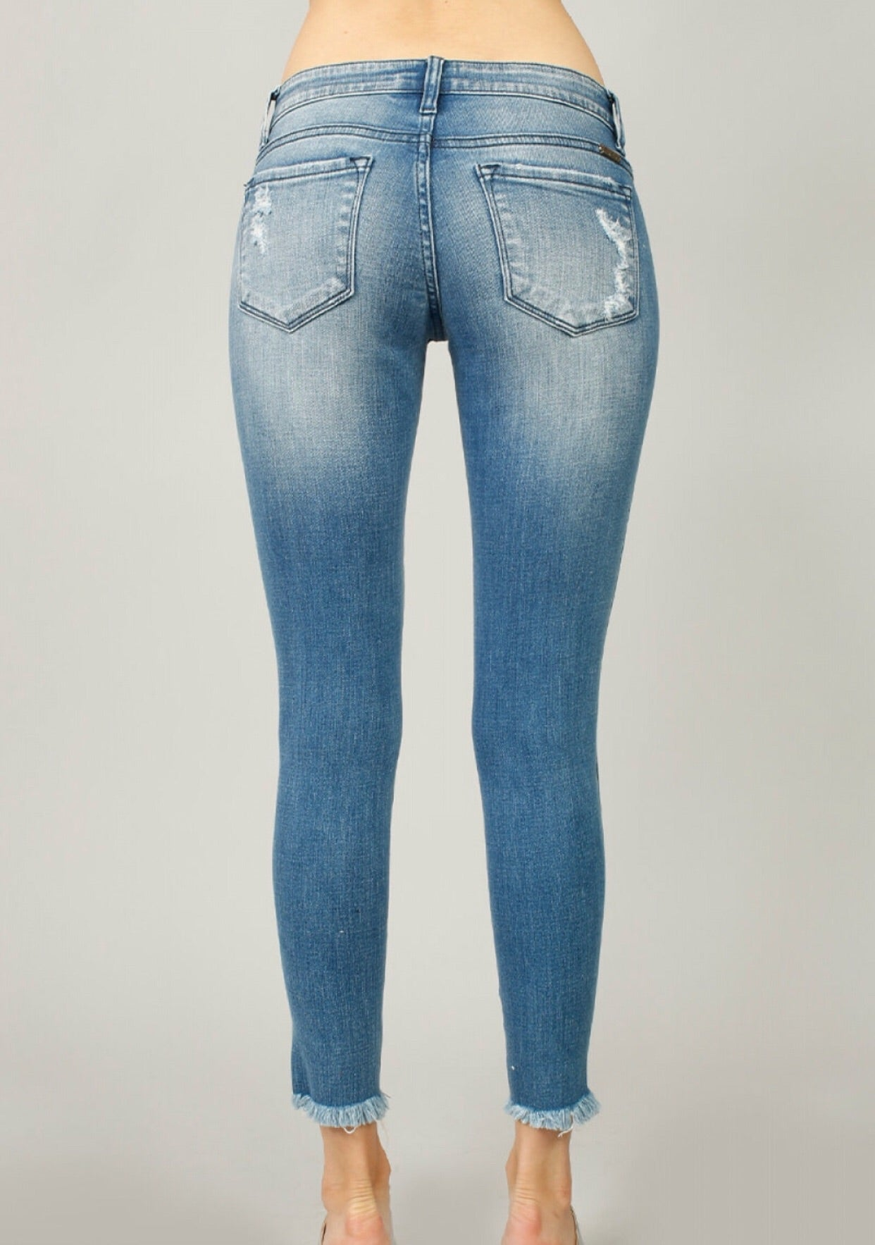 LT WASH SEMI CROPPED DISTRESSED DENIM - KanCan