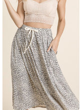 Load image into Gallery viewer, THE JOLISSA LEOPARD MIDI SKIRT
