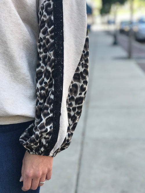 THE BROOKE LEOPARD SLEEVE TOP