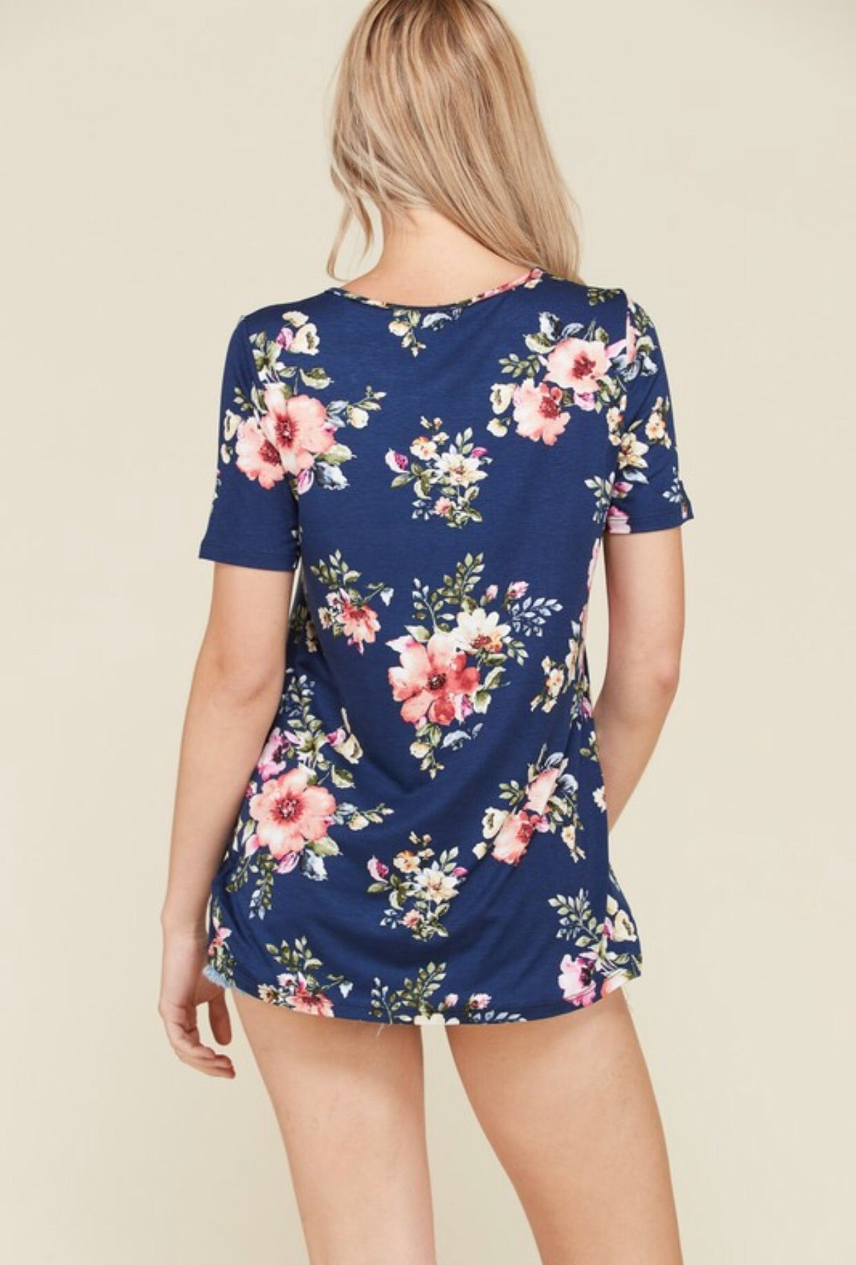 KNOTTED FLORAL SHORT SLEEVE TOP