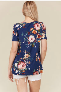 KNOTTED FLORAL SHORT SLEEVE TOP - plus