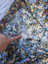 Load image into Gallery viewer, Pastel floral mini skirt - Large