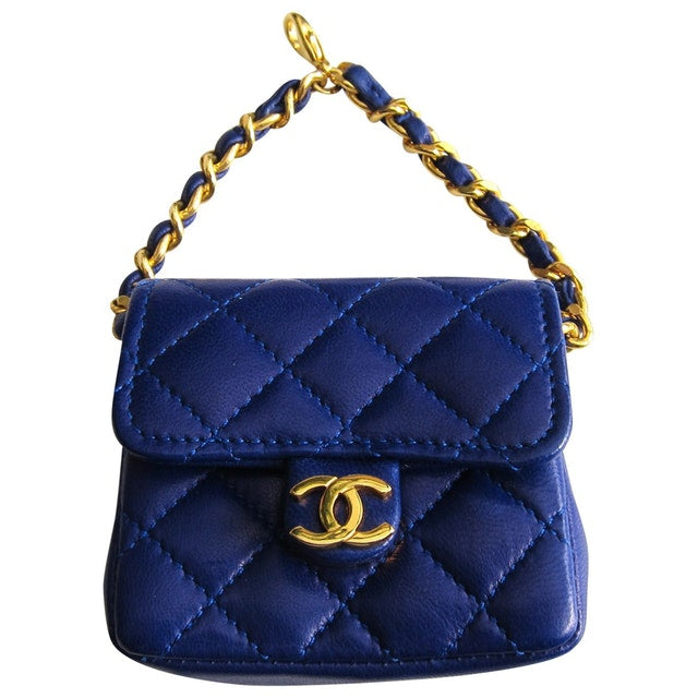 CHANEL - Leather clutch bag