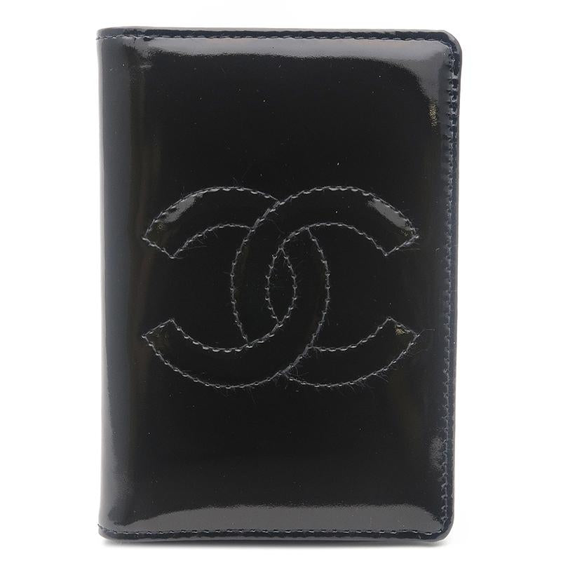 CHANEL - Chic Black Cardholder