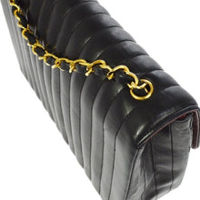 CHANEL - quilted shoulder bag