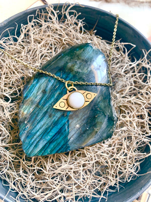 White Agate Communication of Spirit