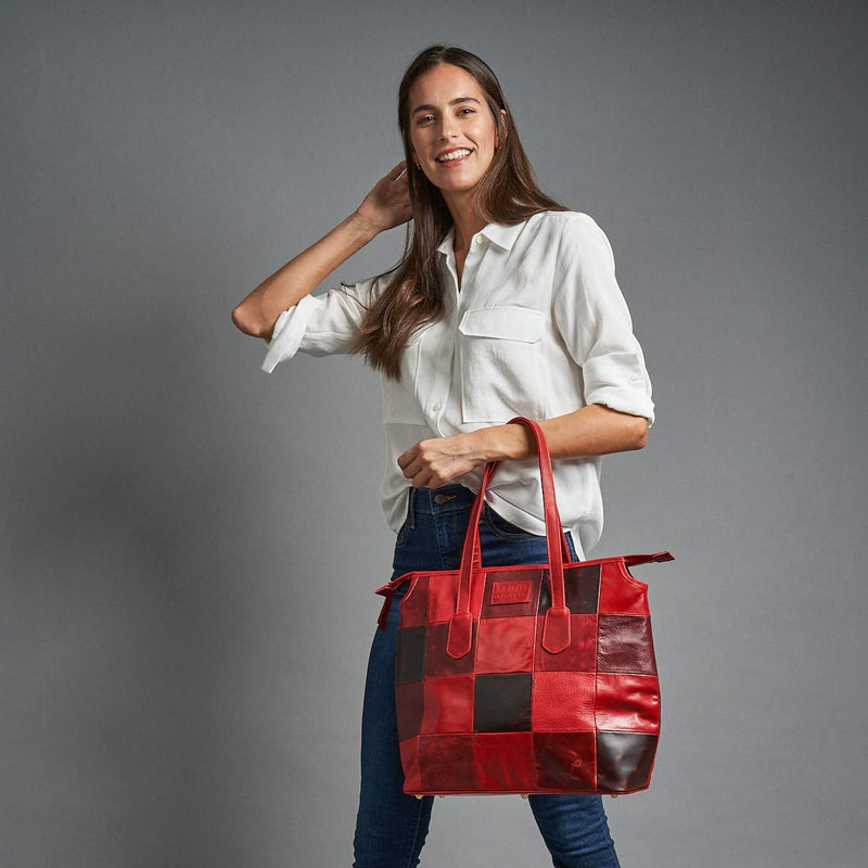 Queen of Hearts Tote in Shades of Red