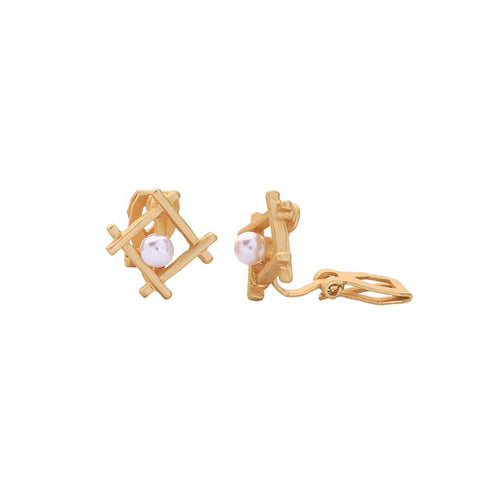 Nora Pearl in Square Clip On Earring
