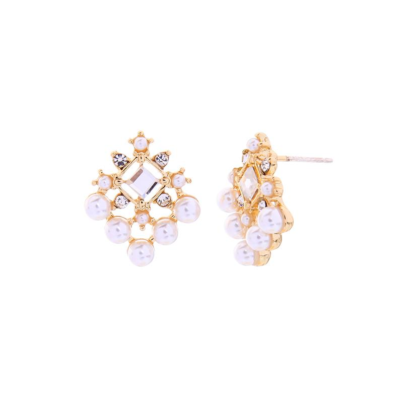 Anne Crystals Pearls Diamond Shaped Earring