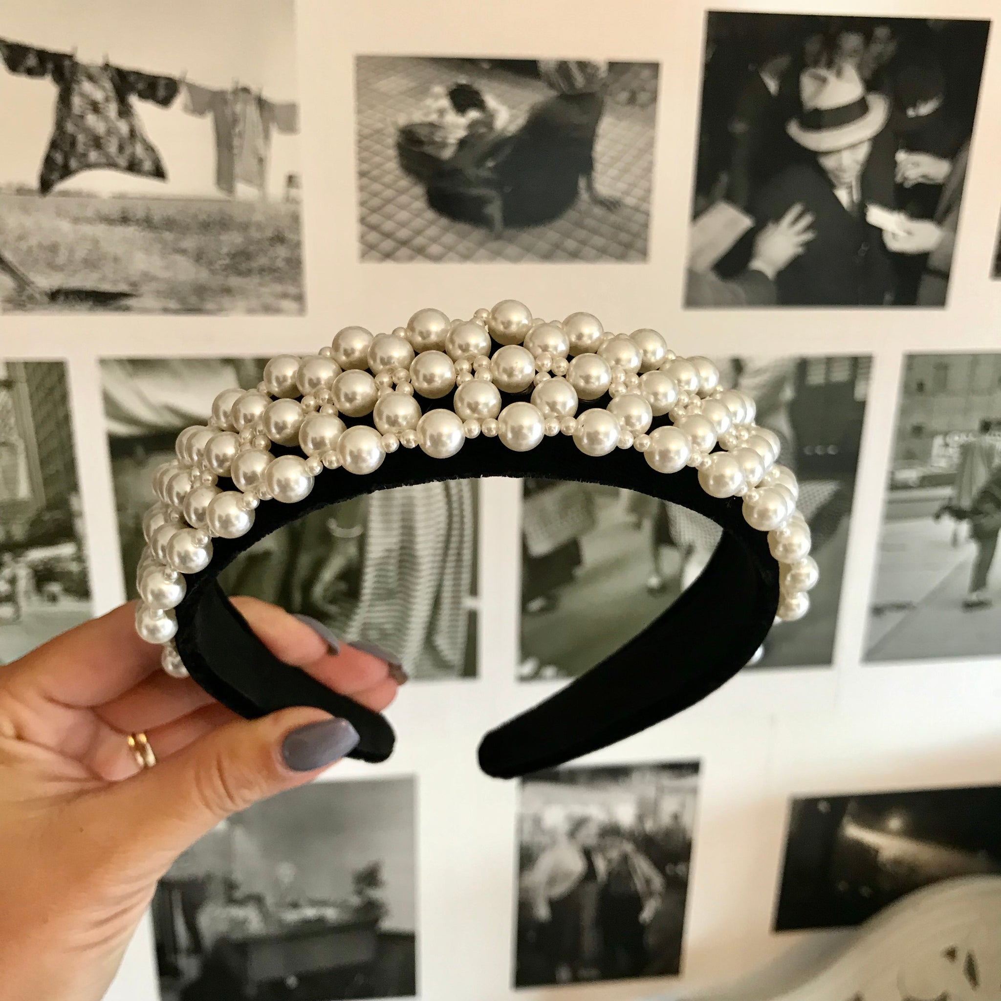 Black Deluxe Pearl Crown