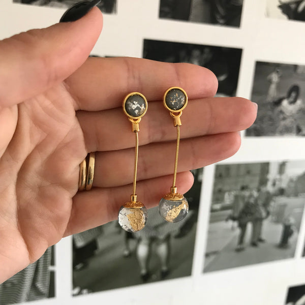 The World Earrings Gold/Grey