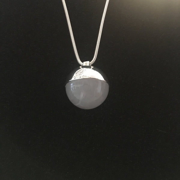 The Planet Amulet Silver/Light Grey