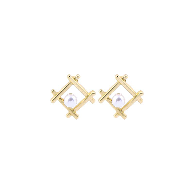 Monica Pearl Square Earring