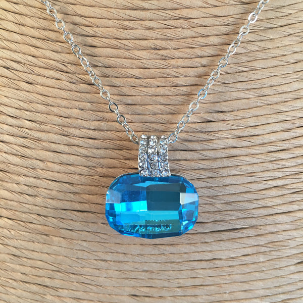 Turquoise Crystal Pendant