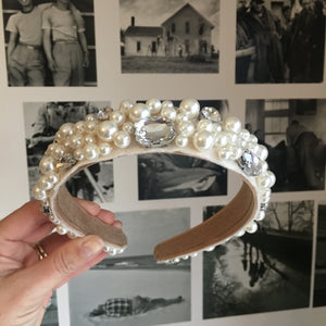 Deluxe Cream Embellished Crown